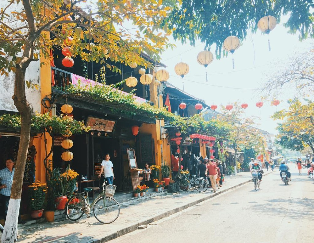 Hoi An Ancient Town - 17 Day Vietnam & Cambodia Discovery Tour - Tweet World Travel